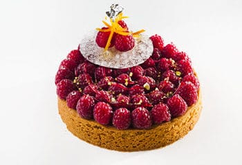 Sable breton with raspberries